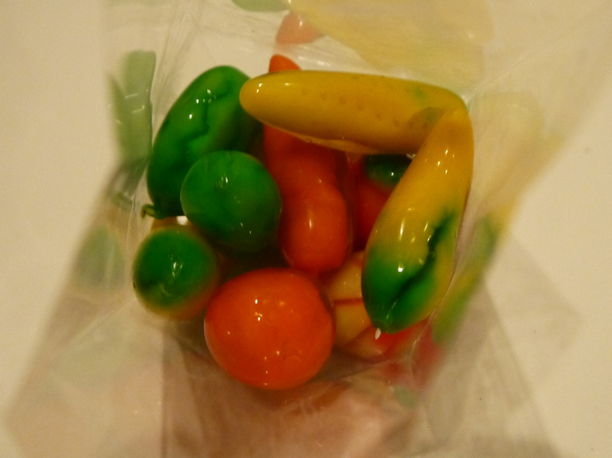 Food Friday - Thai fruit shaped candy