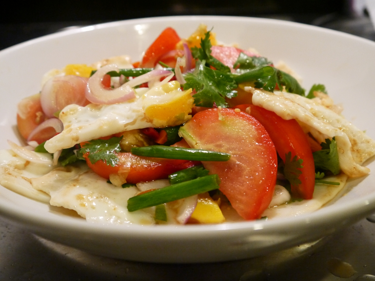 Food Friday - Yam Kai Dao - a delicious Thai salad!