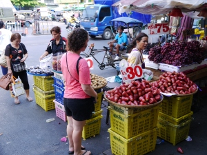 Buying fruit